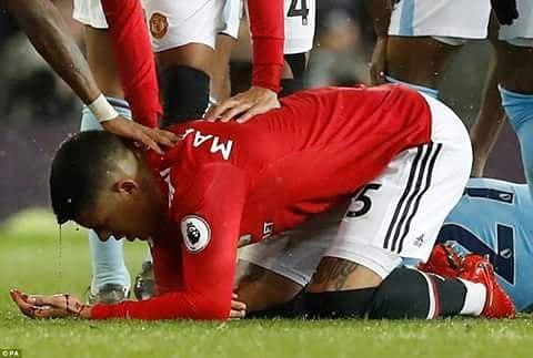 Marcos Rojo เป็นสีแดง  #manchesterunited #ggmu #mufc #smu #MUFC #GGMU #manutd #fac …
