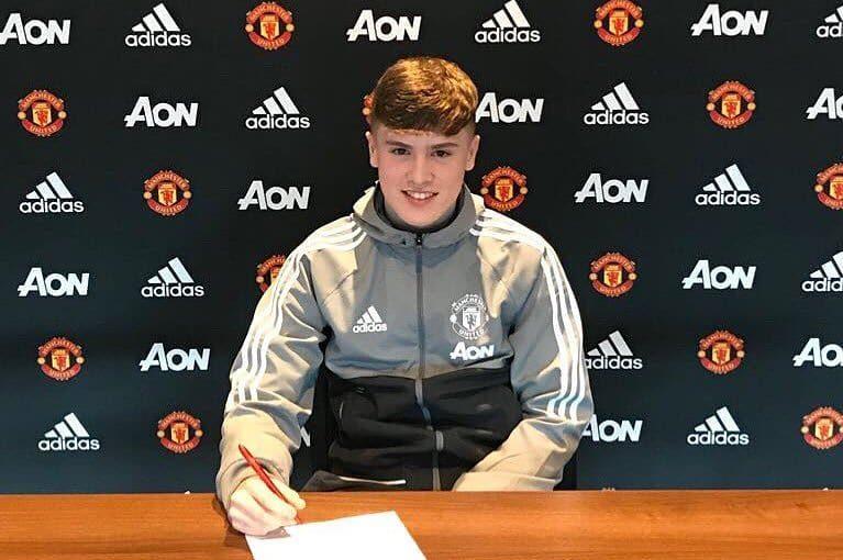 ;  อย่างเป็นทางการ! Charlie McCann (15) เข้าร่วม Manchester United จาก Coventry City …