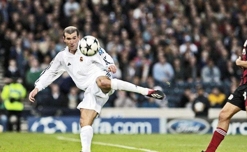 ผลงานชิ้นเอก 17 ปีที่ Zinedine Zidane มอบให้เราในรอบชิงชนะเลิศ …