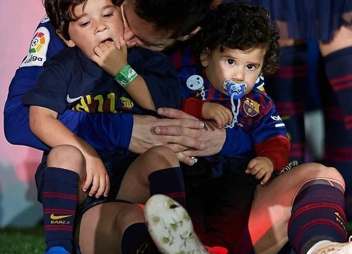 ราตรีสวัสดิ์เด็กชาย . . #forcabarca #MESSI #matu #Messi #messi #mateomessi #LIONELME …