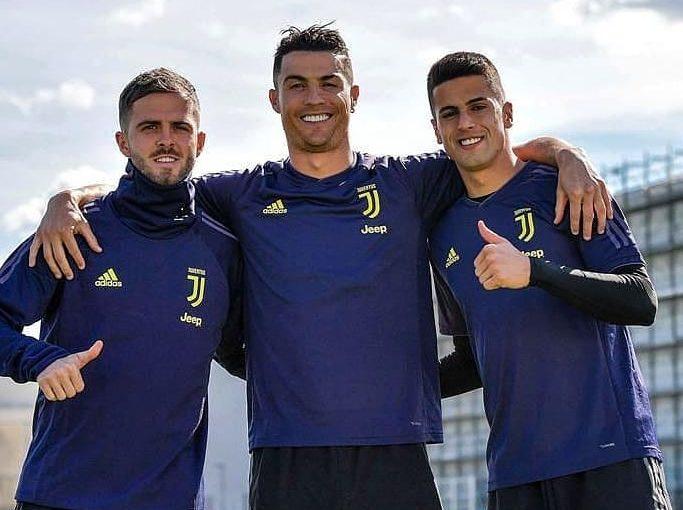 Cristiano Ronaldo @ cris7__ronaldo . . . . . . . . #cristianoronaldo #cr #ronaldo …